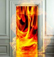 Bảo vệ cửa chống cháy khi sử dụng